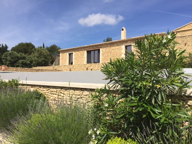 Extension de maison et cr ation d 39 une piscine for At home architecture 84220 gordes