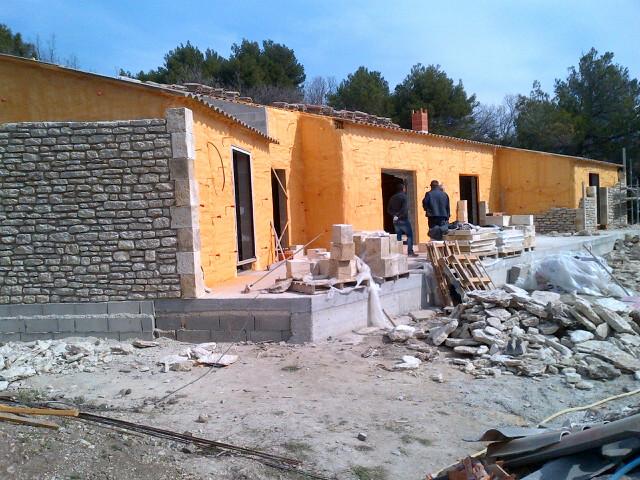 construction maison neuve murs architecte pour maisons gordes hugues galante. Black Bedroom Furniture Sets. Home Design Ideas